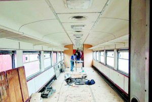 Um dos vagões do famoso Trem de Prata que passa por reforma, graças à parceria entre a Oscip Trem Amigo e empresários. Vagões de luxo estavam inoperantes desde 1998. Foto: Divulgação / ONG Amigos do Trem