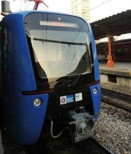 Mais quatro novos trens entraram em operação nesta segunda-feira (11)
