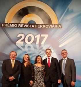 João Gouveia, Roberta Marchesi, Regina Perez, Harald Zwetkoff e Luis Valença na cerimônia do Prêmio Revista Ferroviária