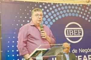 No Fórum de Negócios do Ibef-CE, realizado na noite de ontem, Maia Júnior tratou das concessões e do plano estratégico Ceará 2050 (Foto: Helene Santos)