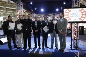 Vencedores do 1º Prêmio ANPTrilhos de Jornalismo durante a solenidade realizada em São Paulo. Esq.p/Dir: Jório Silva (TV Cultura), Reinaldo Machado (TV Cultura), Rodrigo Piscitelli (TV Cultura), João Gouveia (ANPTrilhos), Bruno Faustino (TV Educativa ES), Marcelo Toledo (Folha de S.Paulo) e Renan Joel (NT EXPO)